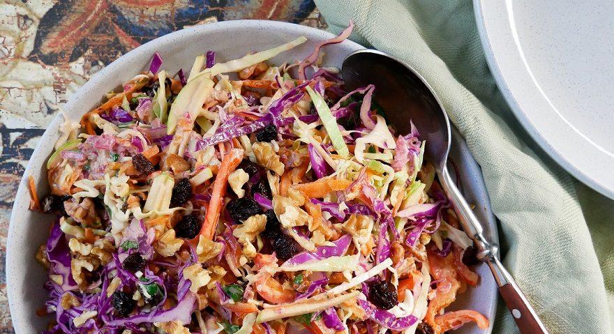 Coleslaw with sauerkraut dressing