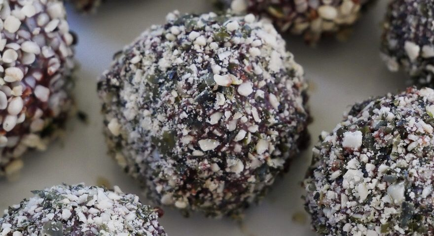 Dark Chocolate Quinoa Balls