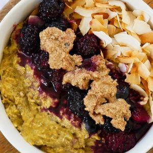turmeric overnight oats with raw honey & berries
