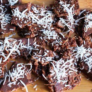 COCONUT CHOCOLATE BARK WITH ASHWAGANDHA ROOT